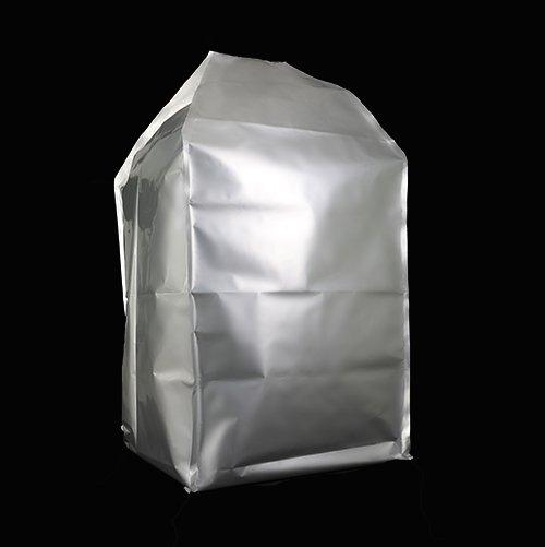 防潮、阻氣、光線阻隔性佳和高強韌等特性,可配合抽真空設備與外容器使用,例如:太空包(噸袋、太空袋)、重包裝瓦楞紙箱、八角瓦楞紙箱等。 工業級產品:尼龍塑料、工程塑料、TPU塑料、生物可分解塑料原料袋適用